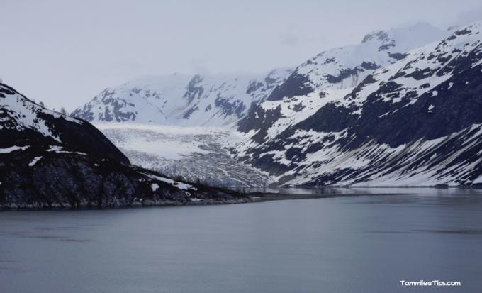 Cruising-Glacier-Bay-National-Park-Glacier.png
