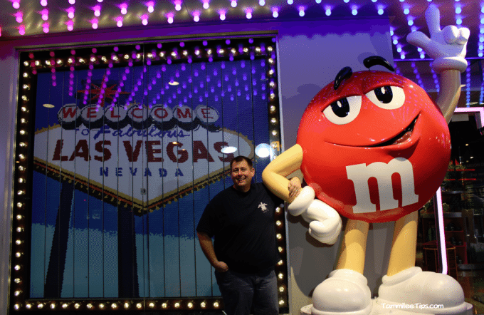 Las-Vegas-Strip-M-and-M-Store.png