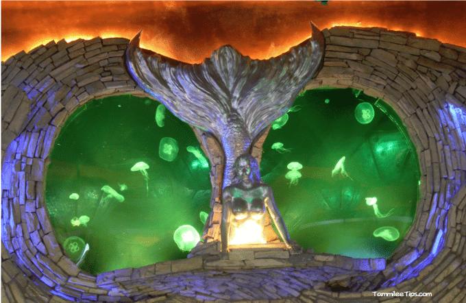Tanked-Aquarium-Silverton-Casino-Jellyfish-Tank.png