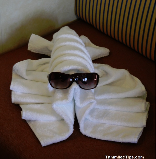 Carnival Breeze Towel Animal Lobster