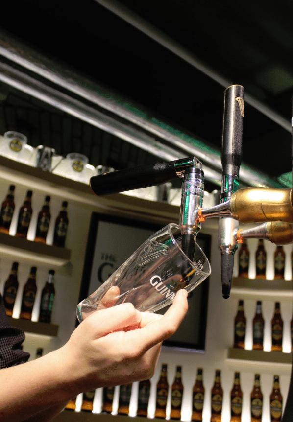Guiness Storehouse Dublin Pour