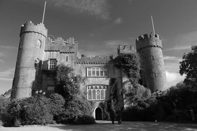 Malahide Castle and Coastal Tour with Dublin Bus tours