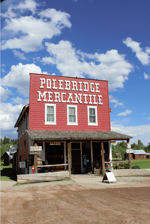 A visit to the Polebridge Mercantile in Polebridge Montana