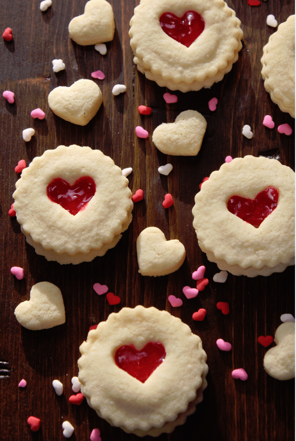 Red-Heart-Valentines-Day-Cookies