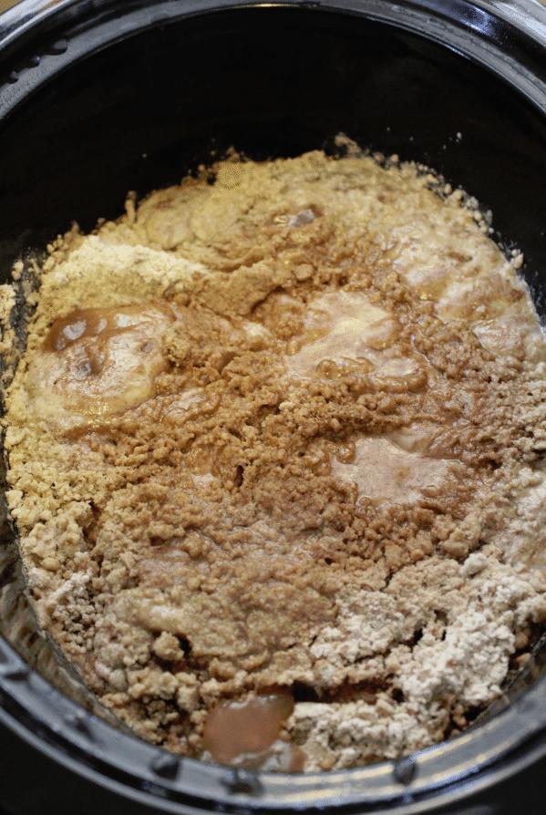 Super Easy Crock Pot Apple Spice Dump Cake Recipe