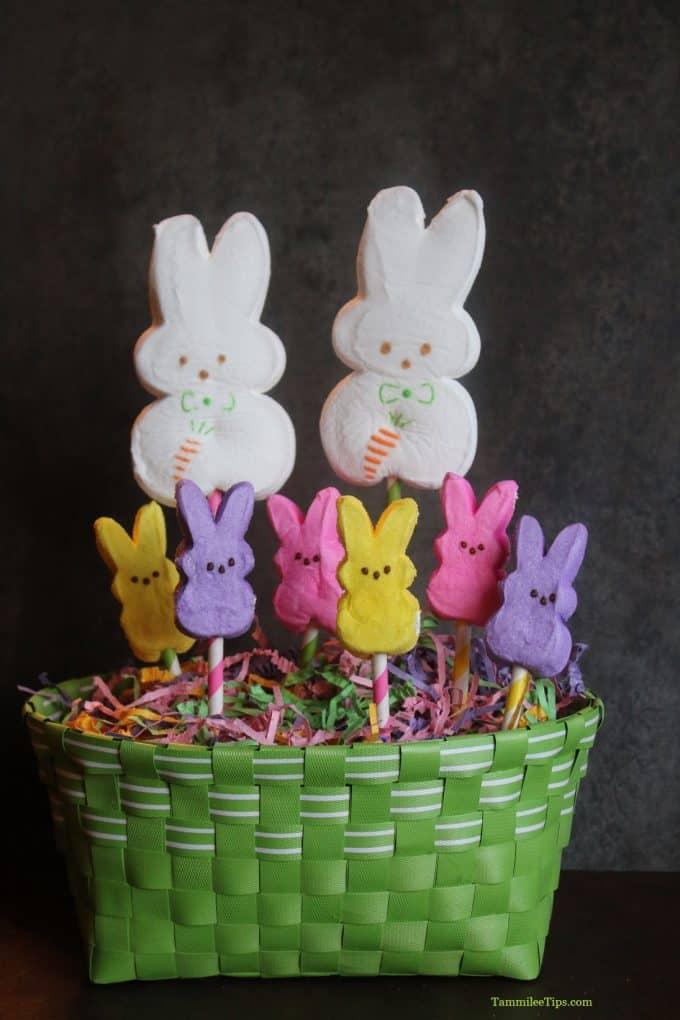Super Easy Peeps Easter Centerpiece
