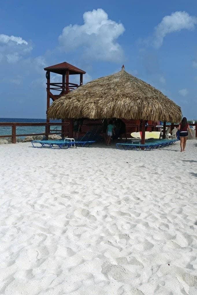 beach on DePalm Island Aruba