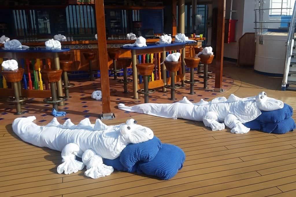 Alligator Towel Animals Carnival Sunshine