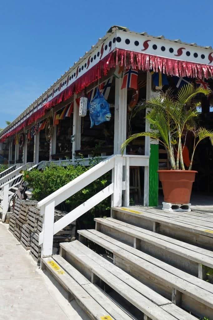 food and drinks on Mahogany Beach Roatan