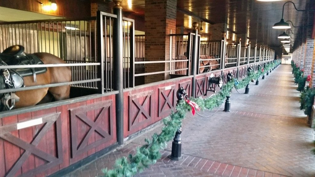 horse stables at Dollie Partons Dixie Stampede