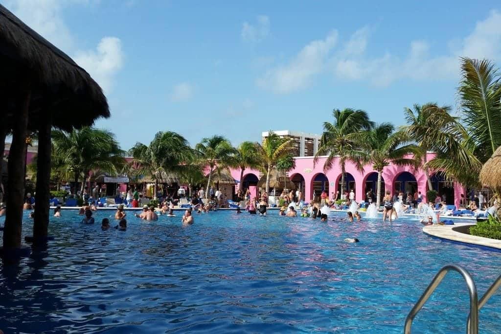 pool by Senor` Frogs in cruise terminal Costa Maya
