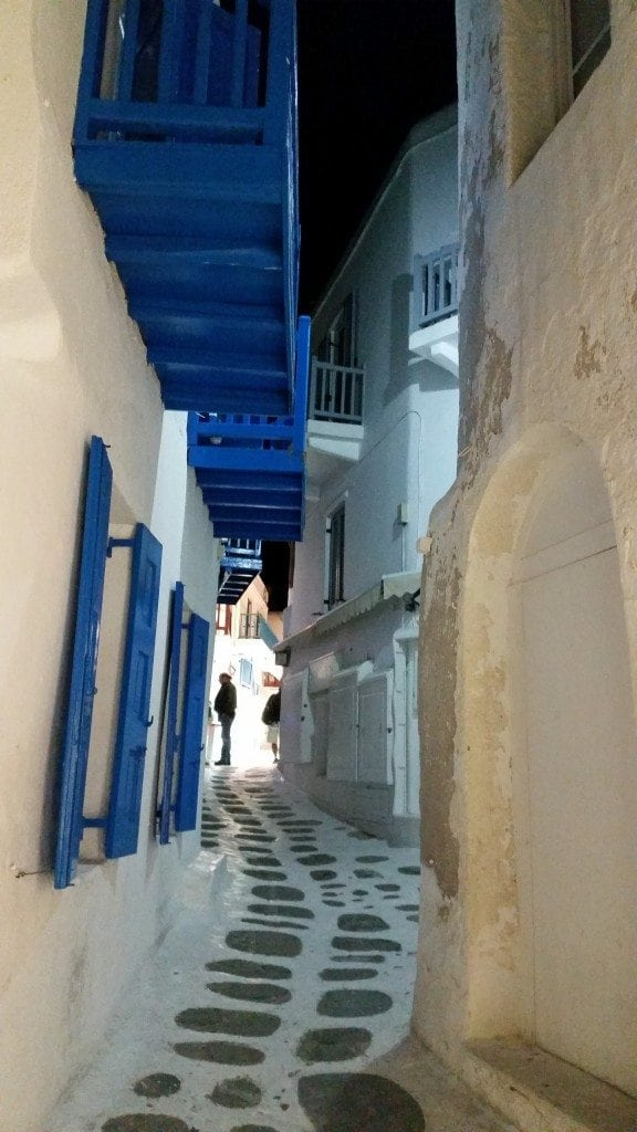 streets of downtown Mykonos
