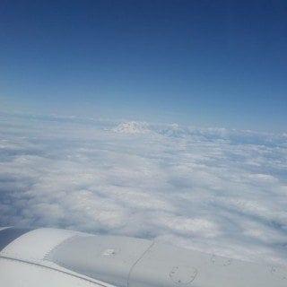 8 tips for surviving long flights