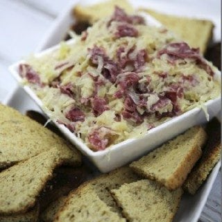 Super Easy Crock Pot Reuben Dip Recipe