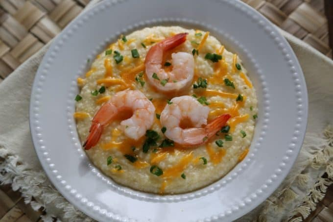 Super easy Crock Pot Shrimp and Cheese Grits Recipe!