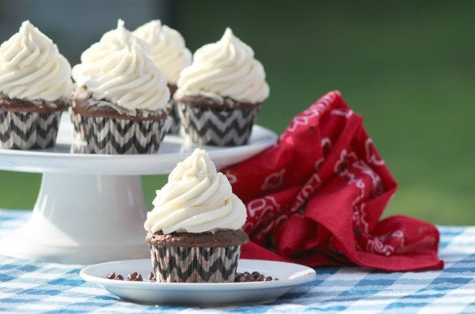 Chocolate Vanilla Cupcakes Recipe