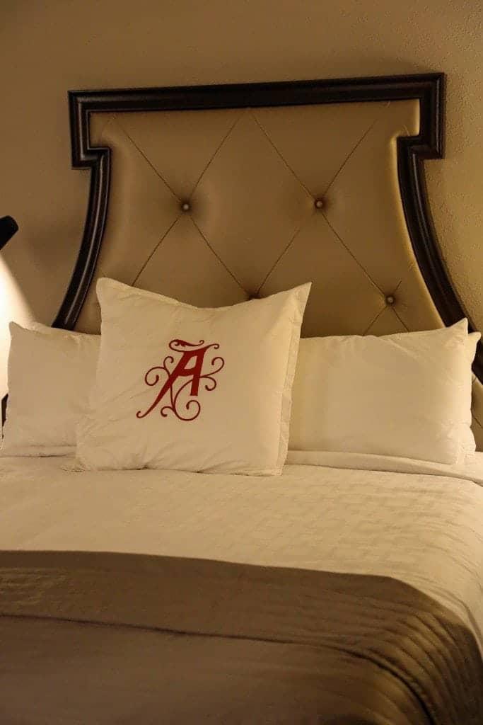 Algonquin Resort Room