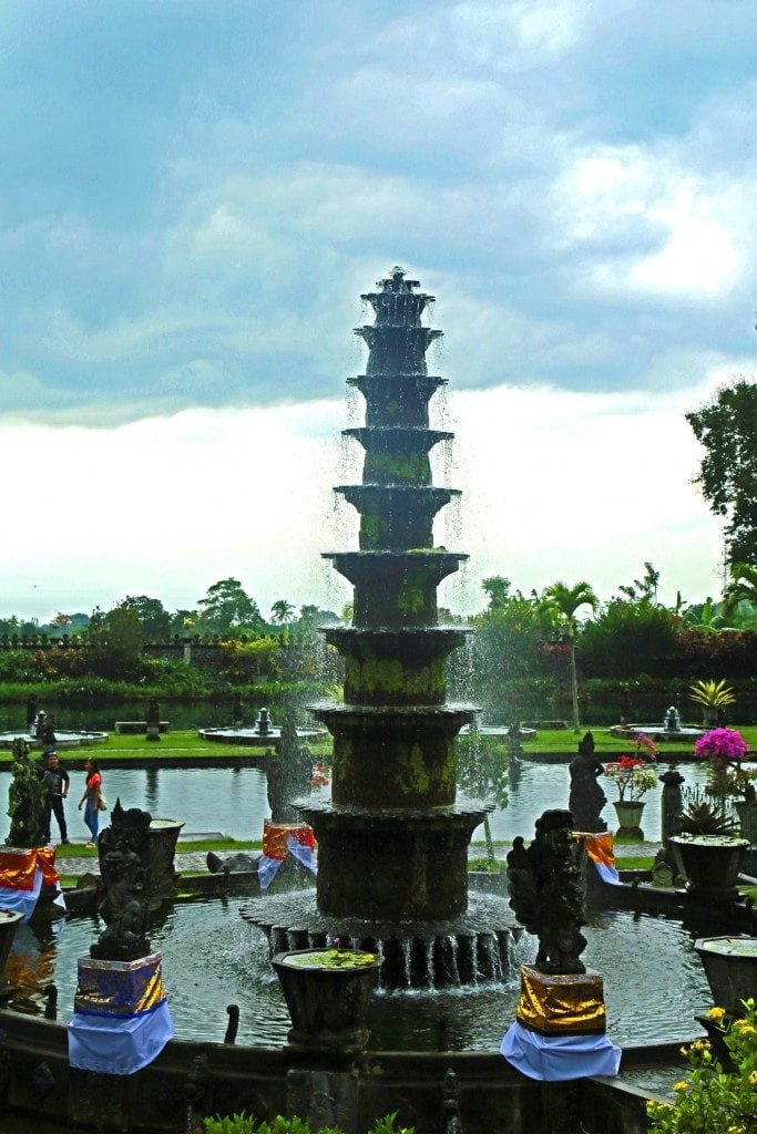 water palace fountain