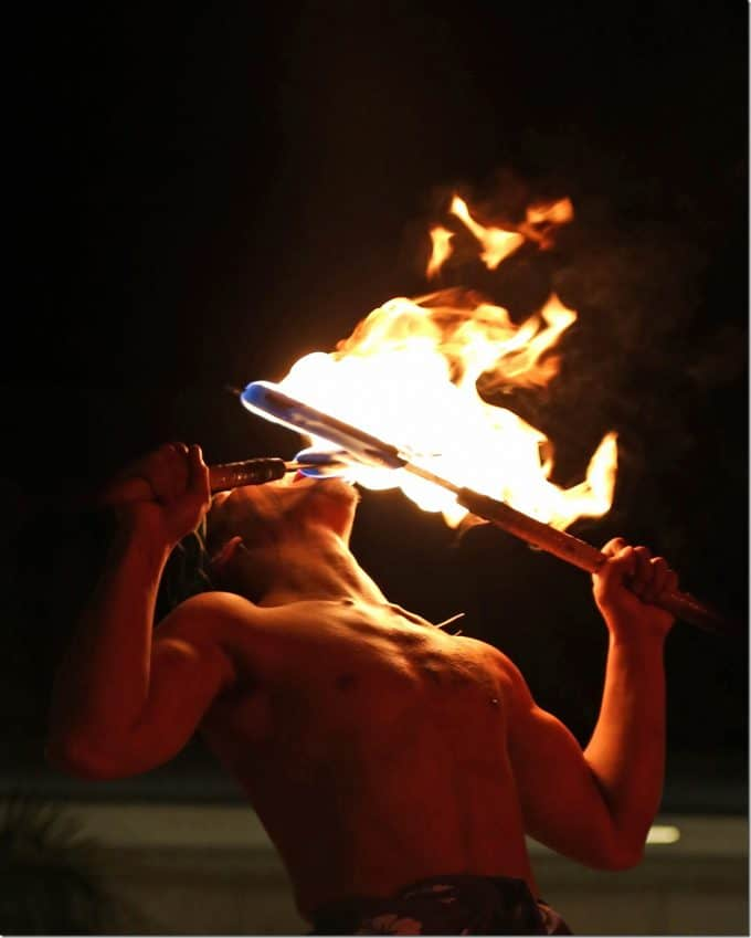 Samoan Fire knife dance