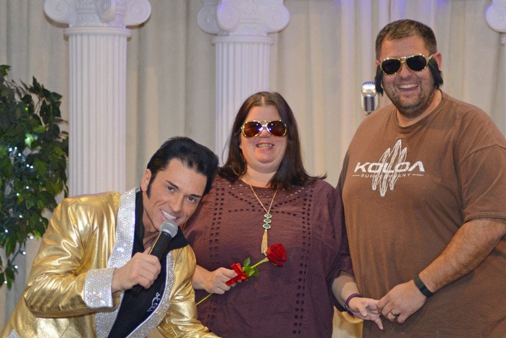 Elvis Wedding Las Vegas at the Elvis Chapel