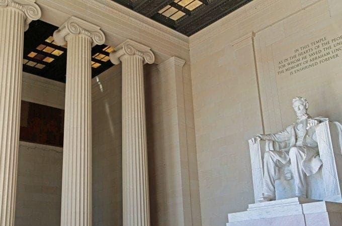 Photos of the Lincoln Memorial in Washington DC