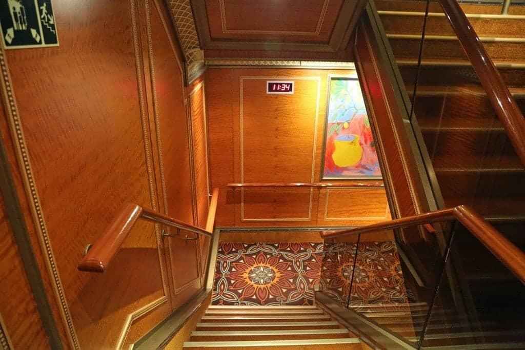 Clocks-on-stairwells.jpg