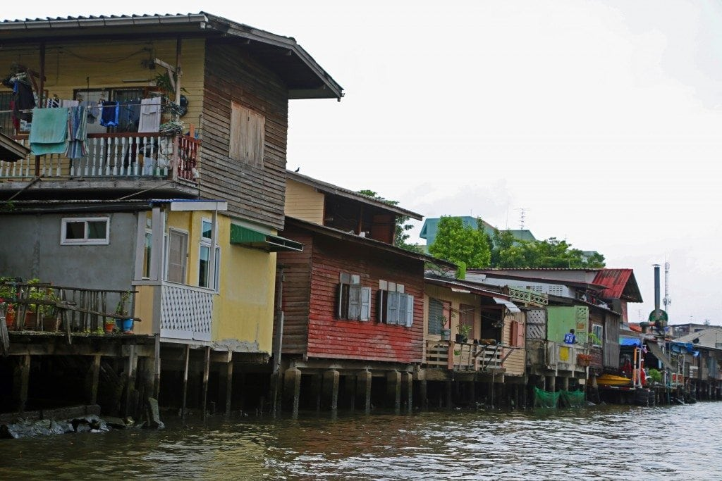 houses along the Phraya River
