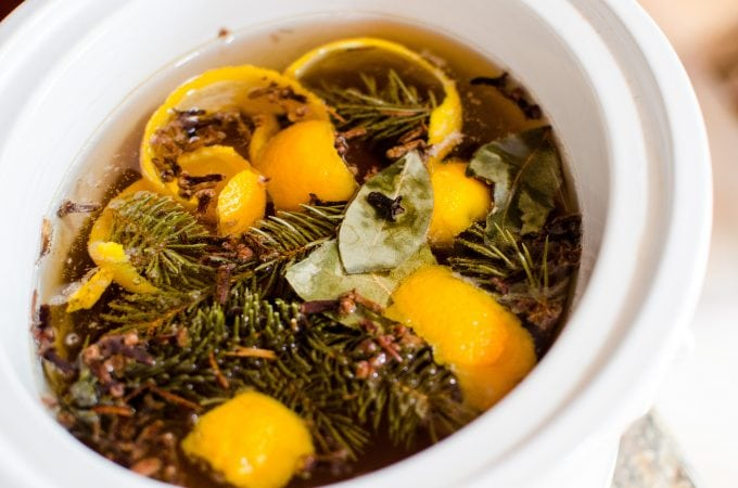 How to make Homemade Crock Pot Holiday Simmering Potpourri