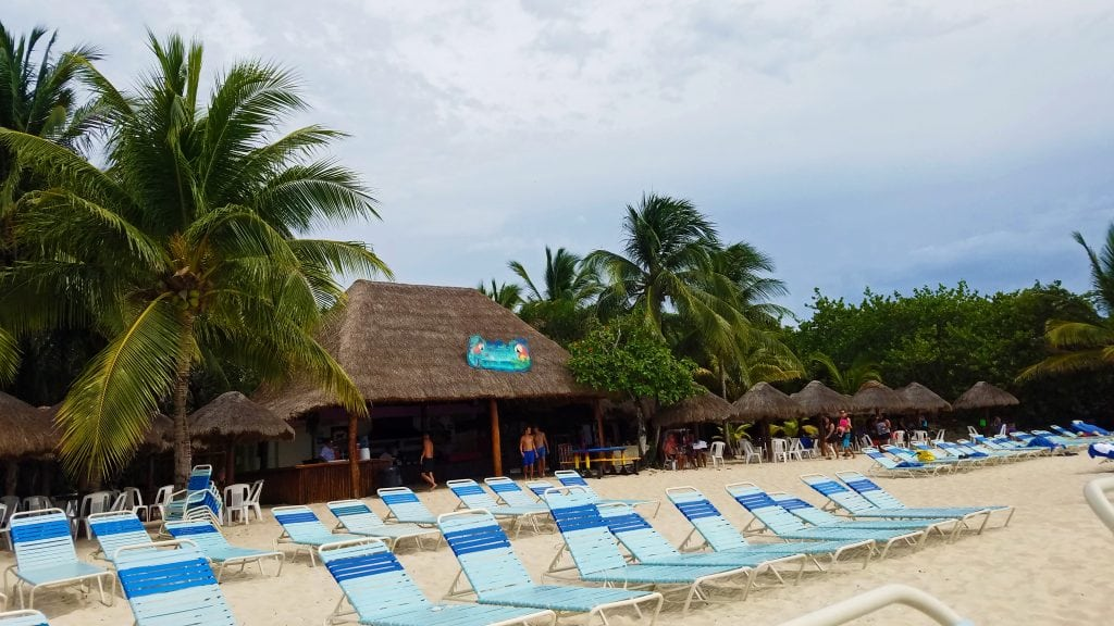 beach-chairs-on-cozumel-snorkel-excursion
