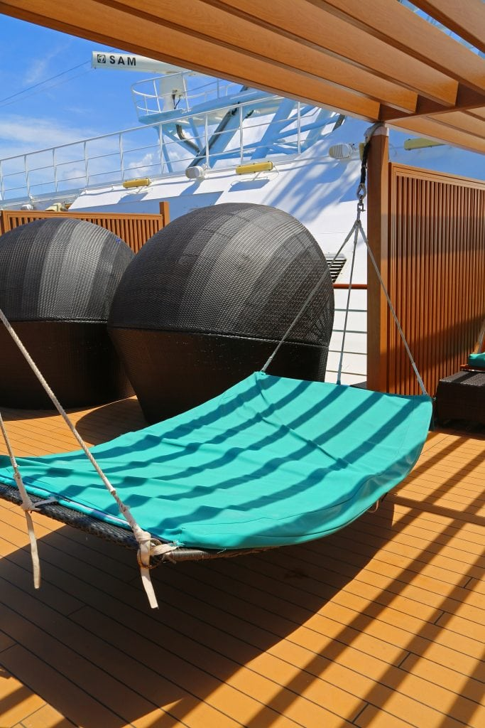 serenity-deck-on-carnival-magic
