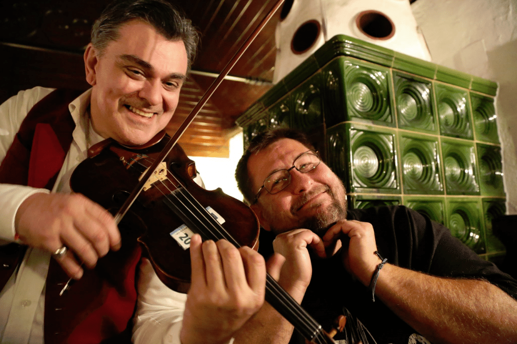 austria-john-with-fiddle-player