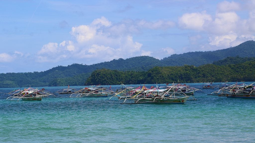 lots-of-boats-in-the-philipines-on-underground-cave-tour